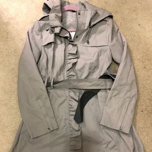 Size Large Guess Trench coat